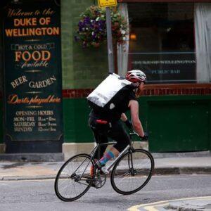 Le sac à dos Ortlieb Messenger-Bag Pro de 39 litres est un produit de messagerie professionnel haut de gamme avec compartiment transparent pour l'insertion d'affiches publicitaires au format A3 pour une utilisation secondaire comme espace publicitaire mobile